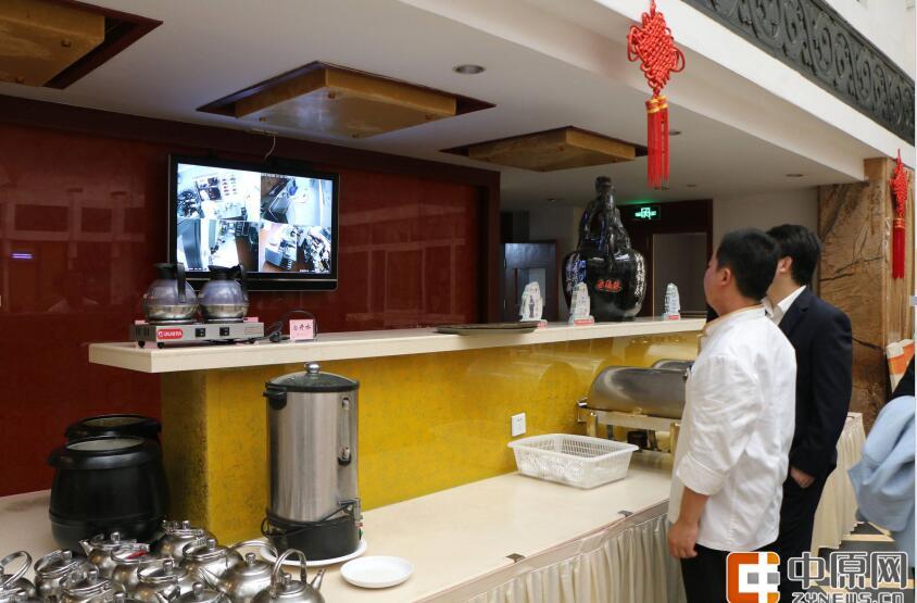 河南数千家餐饮单位和食堂明厨亮灶网上直播